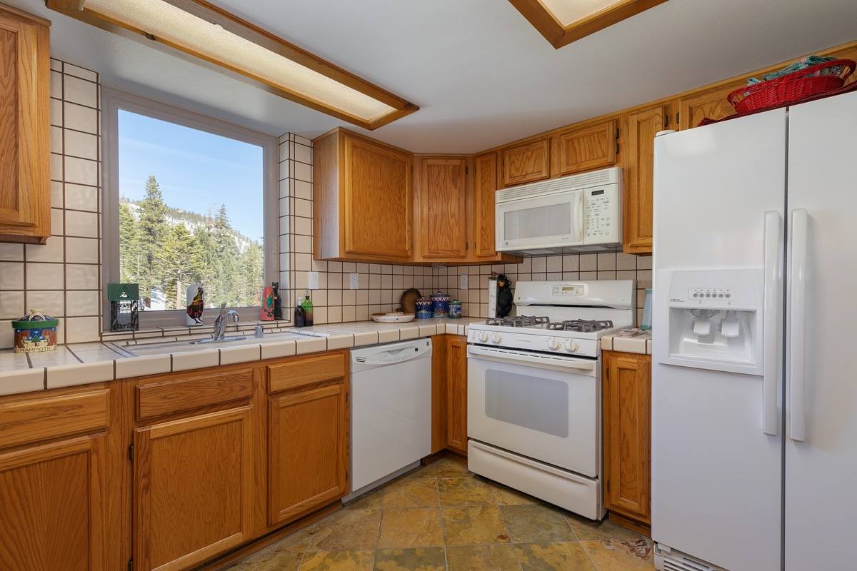 Kitchen 729 Canyon